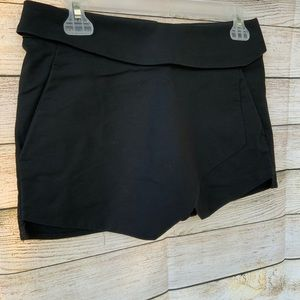 Aritzia Talula | Black dress shorts
